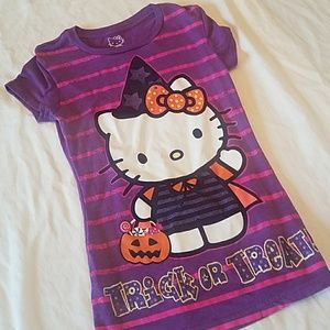 7/$10 Hello Kitty Trick or Treat T shirt sz M